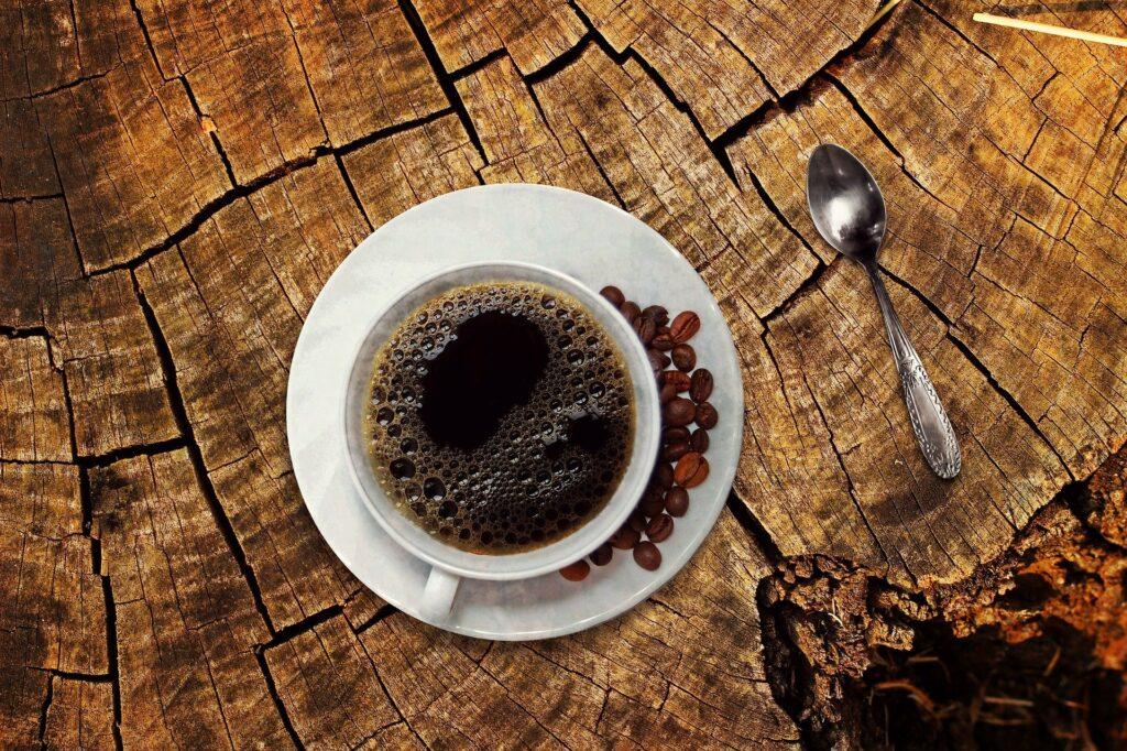 Černá káva jako jediná snídaně, to asi nebude dobře...