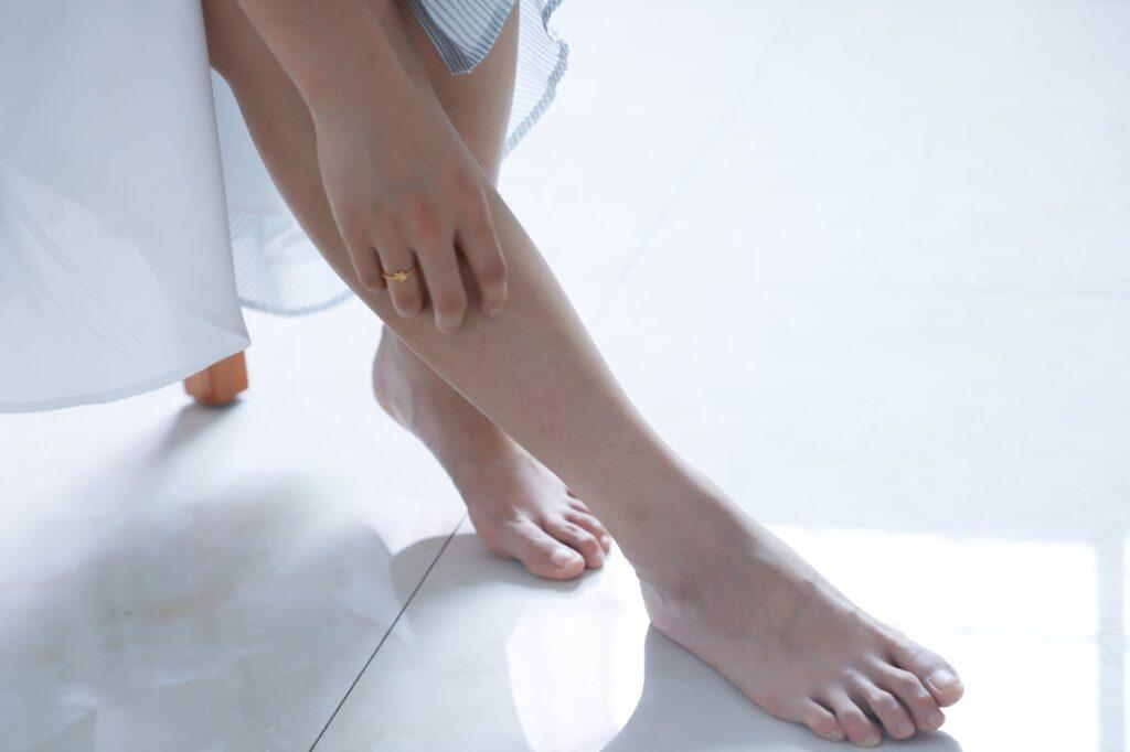 Vitamin B3 udržuje správnou funkci trávicího traktu, dobrý stav pokožky a je nezbytný pro tvorbu pohlavních hormonů (např. estrogenu)
