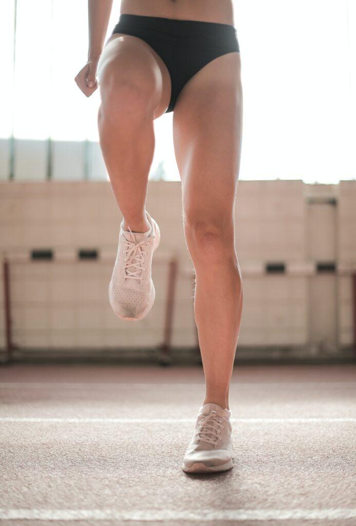 Vysoká kolena, běh či jízda na kole vhodné pro ženy, které byly běhat zvyklé i před covid nemocí