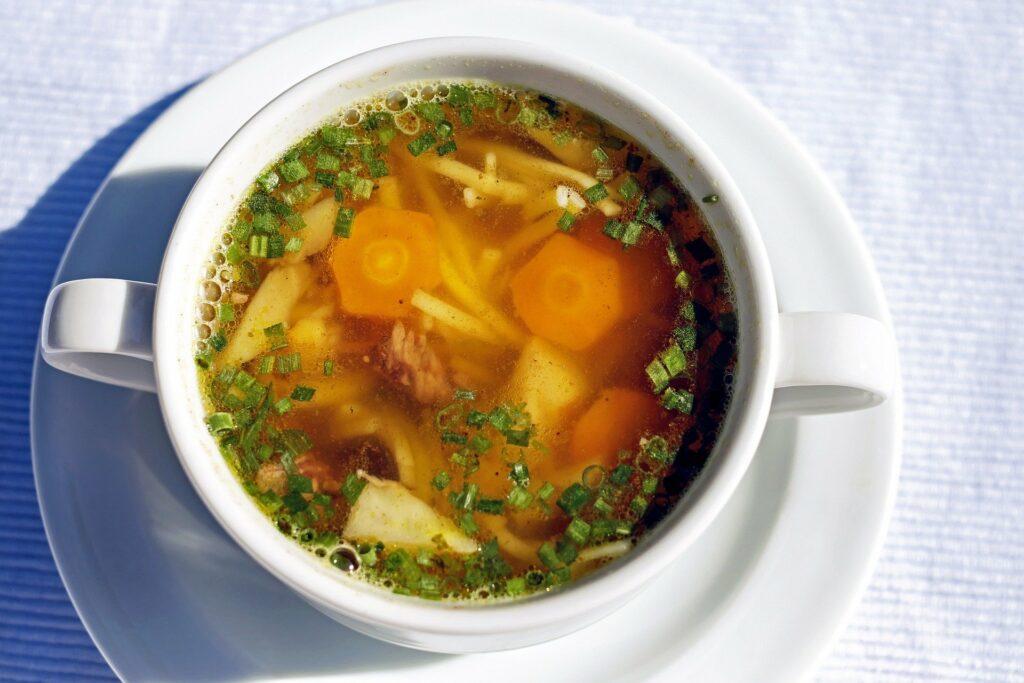 Za zdroje tekutin lze také počítat polévky