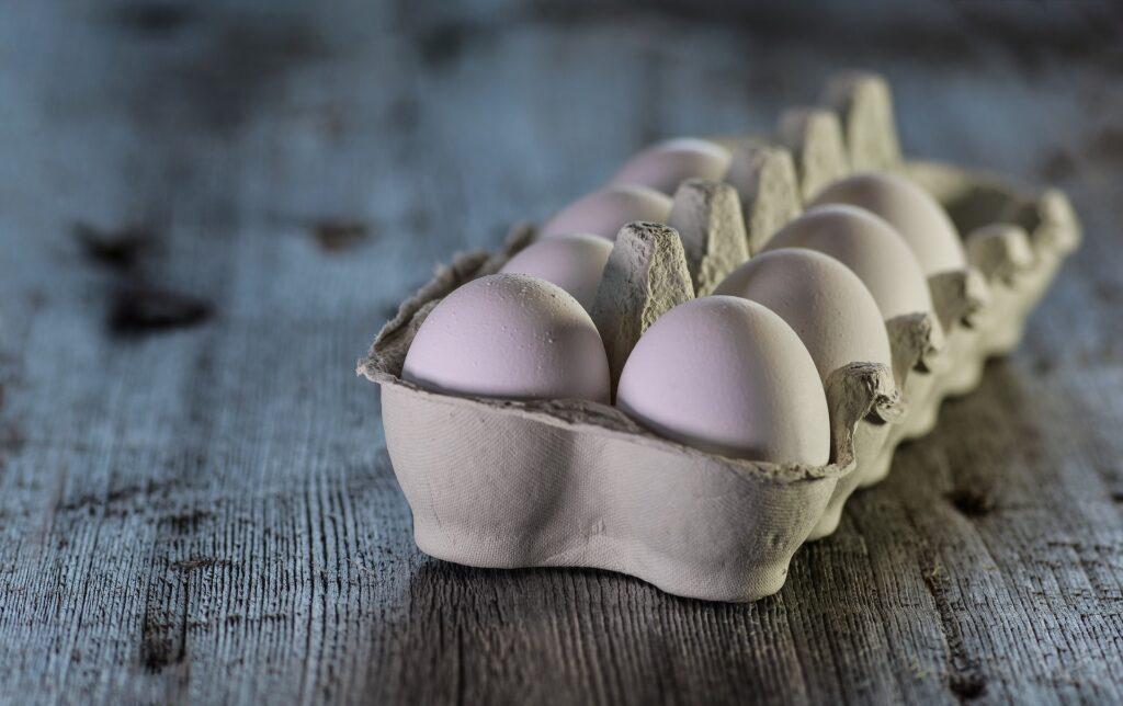 Super zdrojem bílkovin jsou vejce