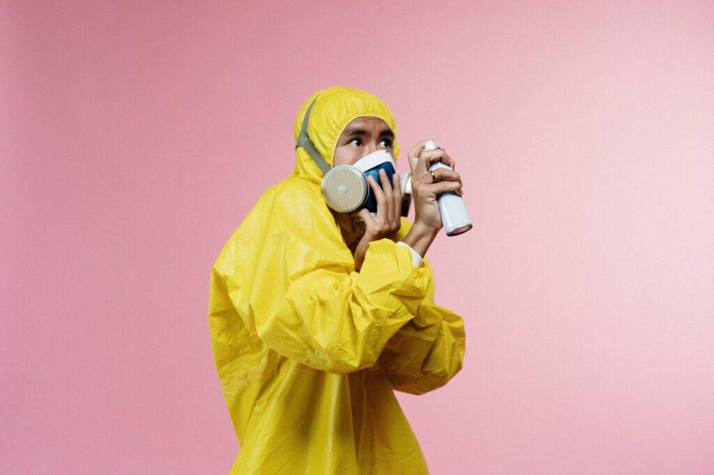 """Vitamin B2 má žlutozelenou až žlutooranžovou barvu a v potravinářství se používá jako přídatná látka nebo jinými slovy """"éčko"""" E 101"""