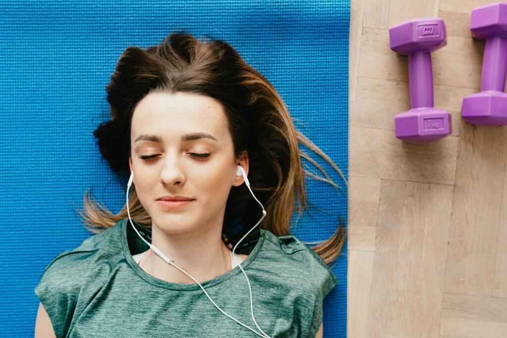 Motivace ke cvičení prostřednictvím textu v hudbě