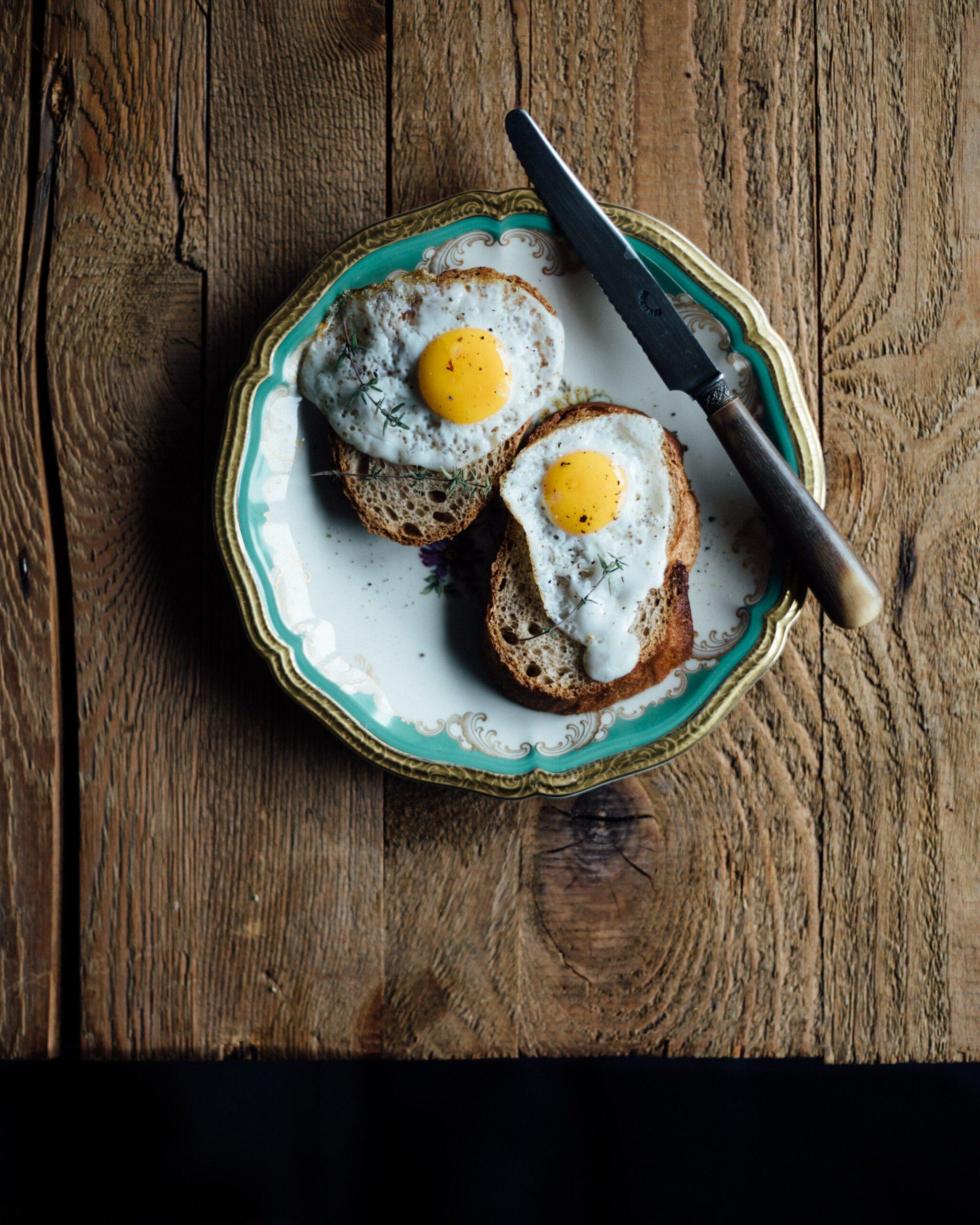 Dopřejte si k obědu po tréninku kuřecí maso a k snídani zvolte vejce. A volte i správné doplňky stravy