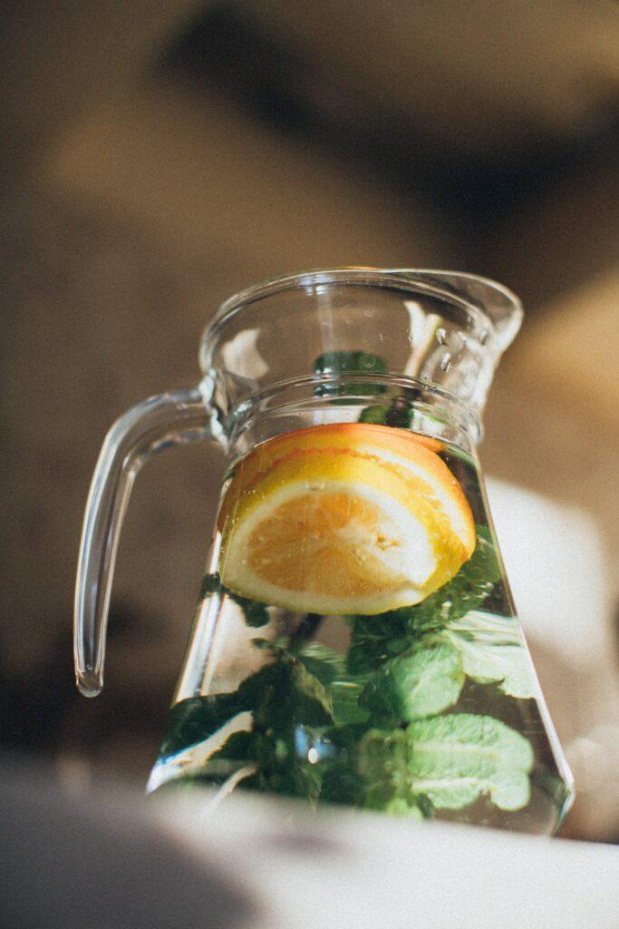 Kávu a černý čaj nahraďte bylinnými čaji, nejen v těhotenství