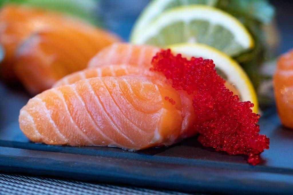 Nejen v zimě hodně mořských ryb a sluníčko: vitamin D je vhodné i suplementovat
