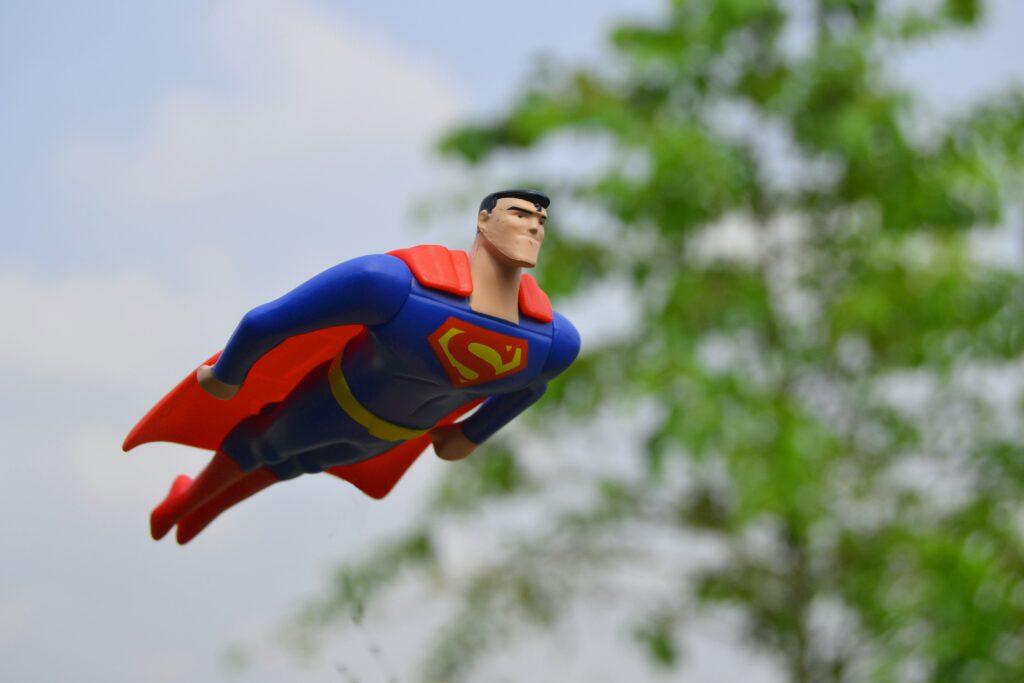 Superman jako vzor,  jak správně provádět cvik