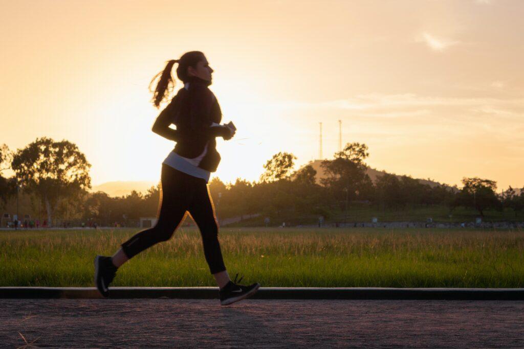 Funkční oblečení vám běh rozhodně ulehčí, už jen co se pocitu a pohodlí týče