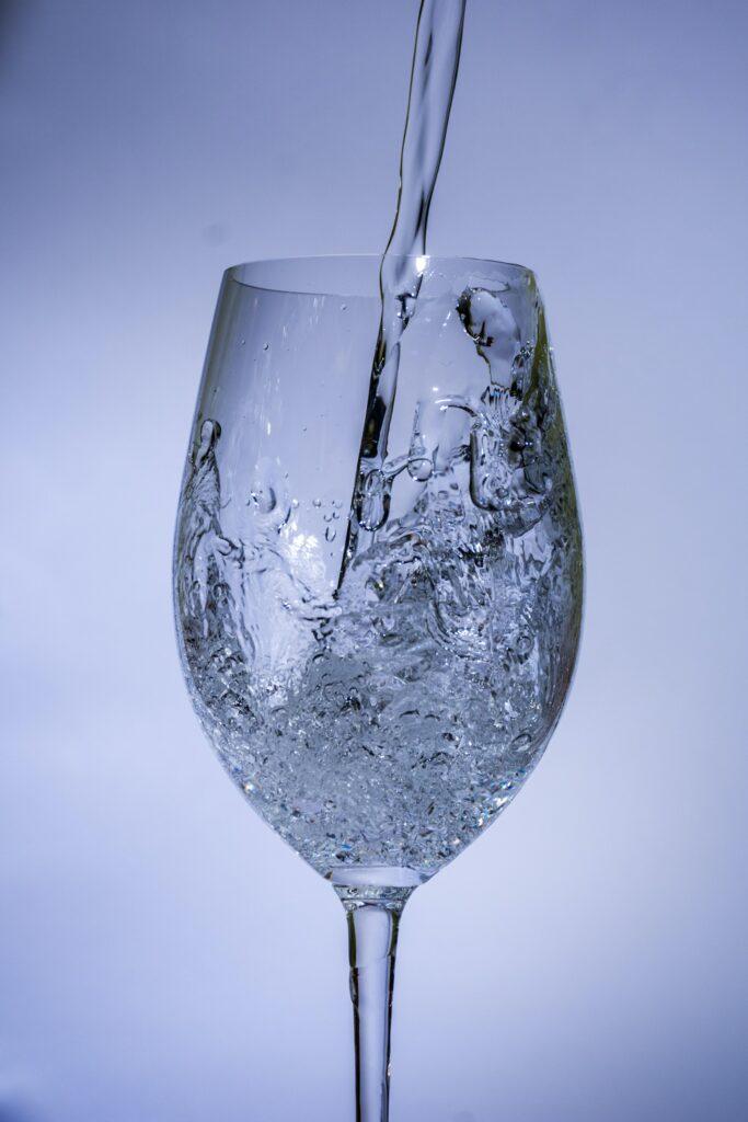 Pokud chcete mít dostatečně silnou imunitu pijte minimálně 2 litry vody denně